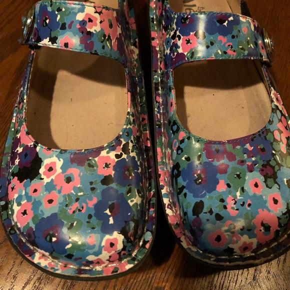 Alegria nurse shoes . Paloma size 7